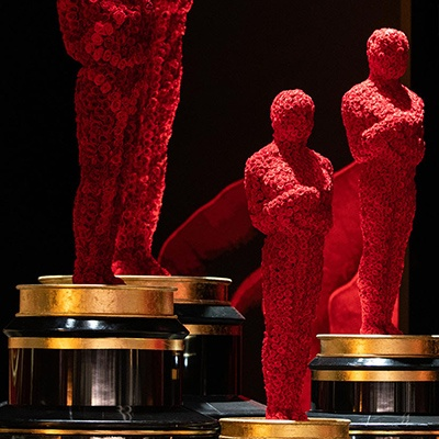 2019 Oscars stage decorated with preserved roses